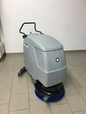 Nilfisk BA510S SCRUBBER DRYER WITH BATTERY
