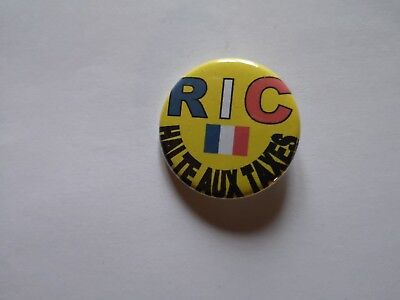 badge button 32mm GILET JAUNE, HALTE AUX TAXES, RIC référendum d'initiative cit