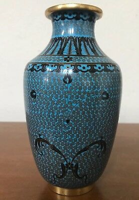 Antique JAPANESE CLOISONNÉ Blue Enamel Detailed Gold Swirl Design Vase EXCELLENT