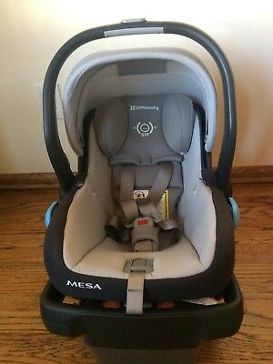 2017 UPPAbaby Mesa Infant Car Seat In Pascal Dove Grey Great Condition