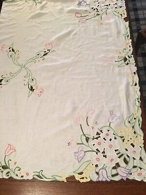 Beautiful Vintage Hand Embroidered Cutwork Linen Tablecoth