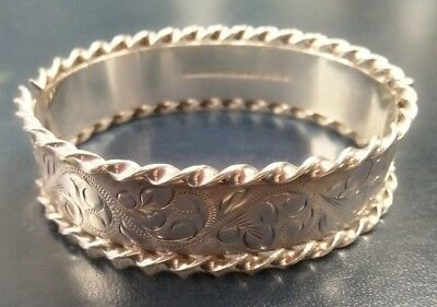 Solid Silver: Birmingham Hallmarked: Hinged Bangle Bracelet: 1979