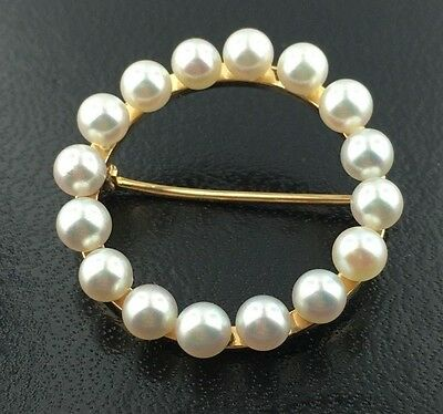 Lady's vintage round 14k yellow gold cultured pearl brooch