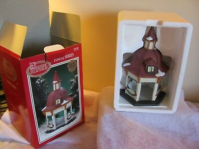 DICKENS COLLECTABLES TOWNE SERIES PORCELAIN  Red Roof Gazebo 1997 Design in Box