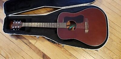 Guild D25m Acoustic Guitar, 70's Arch back, Mahogany sides and back with pickup