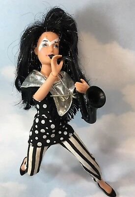 Jem and the Holograms JETTA doll clothes shoes saxophone instrument Hasbro 1987
