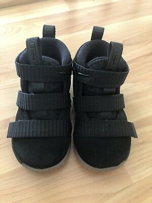 f6df3b7520a2a NIKE LEBRON JAMES Toddler 5 Black Soldier Sneakers Shoes VGUC ...