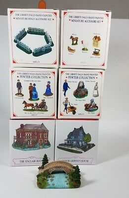 Liberty Falls Collection Lot Of 7 Buildings And Accessories