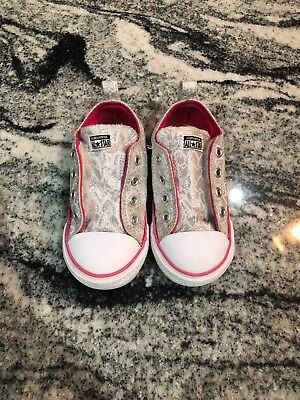d3aa502a510686 TODDLER GIRL SIZE 8 converse all star silver pink -  6.00