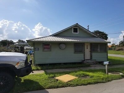 Frostproof Florida  3 bedroom 1 bath Handy Man Special on 1/4 ac lot commercial