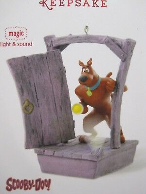 Hallmark Keepsake Scooby Doo Christmas Ornament 2014 Scooby Gets Spooked B9690