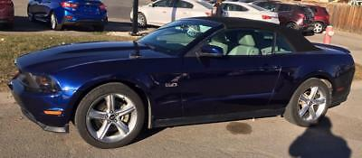 Ford: Mustang GT CONVERTIBLE 2011 FORD MUSTANG GT CONVETIBLE!  ONLY 32.000 MILES!  EXCELLENT SHAPE!