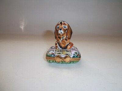 Peint Main Limoges Whimsical Dog Coloring in a Book Trinket Box