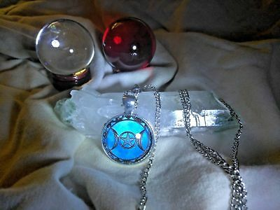 RARE Stunning MYSTICAL WICCAN TRIPLE MOON NECKLACE Witch META WICCA AMULET PARA