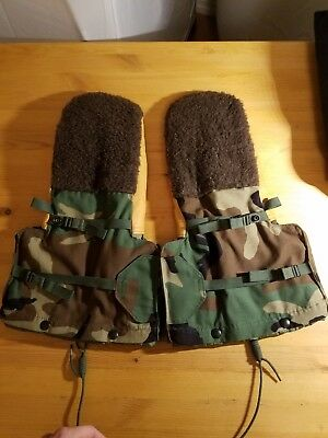 Large Mitten Set, Extreme Cold Weather.