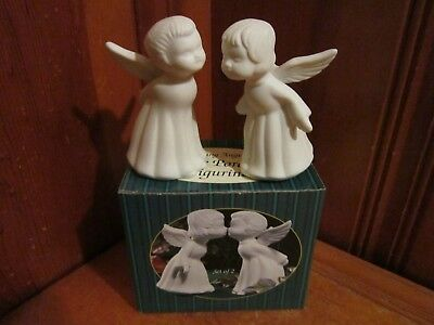 "Vintage Giftco Kissing Angels Bisque Porcelain Figurines 3 3/4"" H Christmas NEW"