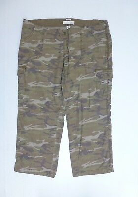 Old Navy Womens Size 22 Green Camo Stretch 7 Pocket Cargo Pants Great Condition