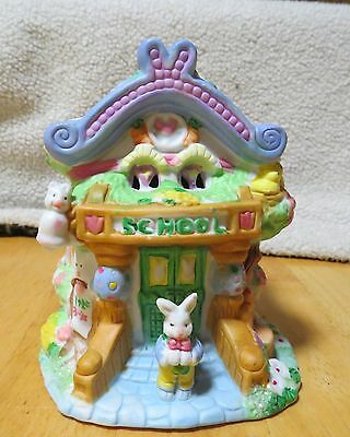 Hoppy Hollow Easter Light up Village - School Mint condition