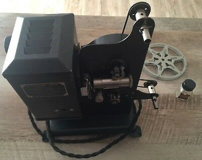 Vintage Kodascope Eight Model 20 Film Projector With Case Excellent Condition