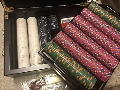 Full Official CHIPCO Casino Clay Poker Chip Set. 526 Chips, Wood Case + Extras