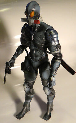 """Kai Raiden METAL GEAR SOLID2 SONS OF LIBERTY PLAY ARTS 10"""" action figure"""