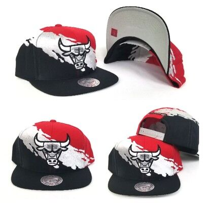Mitchell & Ness NBA Black / Red Paint splash Chicago Bulls snapback Hat Cap