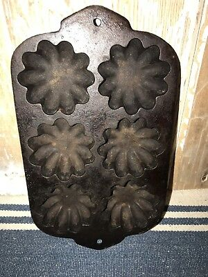 Antique Vintage Solid Cast Iron Muffin Pan Flower Mold Baking~Six Flowers