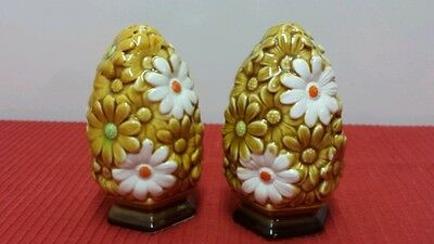 Vintage Fred Roberts Daisy Salt and Pepper Shakers Japan