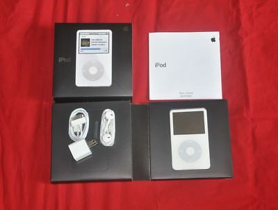 Apple iPod Classic Video 30gb 5th Generation White Mp3 player - 90Days Warranty