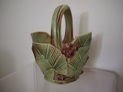 VINTAGE MCCOY BERRIES AND LEAVES BASKET Planter 1940'S EXCELLENT CONDITION