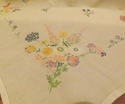 """VINTAGE NEEDLEWORK HAND EMBROIDERED FLORAL TABLECLOTH - COTTAGE FOXGLOVES 33"""" sq"""