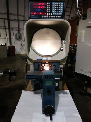 Deltronic Optical Comparator with DRO