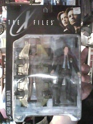 1998 the X Files Fight the Future Agent Fox Mulder with Human Host Series 1 NIP