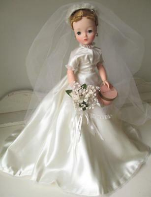 "~ Madame Alexander 21"" Cissy Bride Doll ~ Stunning! With Extra's"