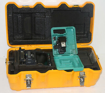Fujikura 12S Fixed V-Groove Fiber Fusion Splicer w/ CT-06 Cleaver USA Model