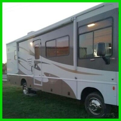 2007 Winnebago Sightseer 29R 29' Class A Motorhome Ford Gas Engine 2 Slide Outs
