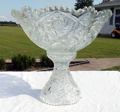 Vintage Pressed Glass Punch Bowl - Bautiful - Quite Heavy