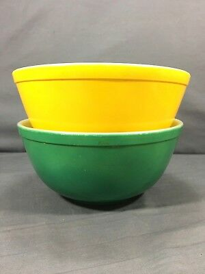 Vintage PYREX Nesting Mixing Bowl Green Yellow Primary Lot of (2) 403 404