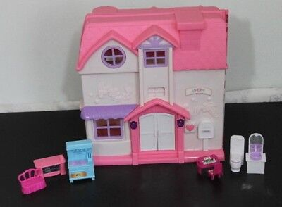 Toys R Us You and Me Happy Family Doll House with Furniture