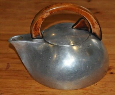 Vintage Picquot Ware K3 Kettle Stunning Design! Art Deco, stylish and efficient