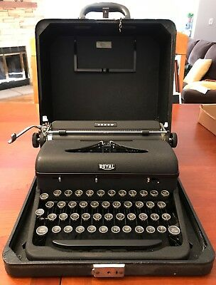 Vintage Royal Arrow Portable Typewriter In Case Very Good Condition Works