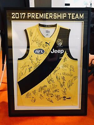 Richmond Tigers 2017 Afl Team Signed Framed - Official Premiership Clash Jumper