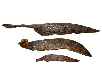 LOT OF 3pcs. CELTIC PERIOD IRON CURVED KNIVES, TOP CONDITION+++