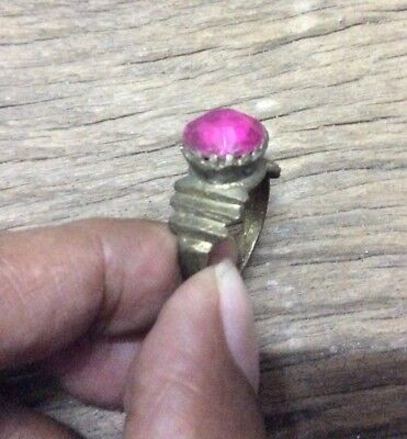Lovely Genuine Detector Find Medieval Silvered Ring With Pink Glass Stone Gem