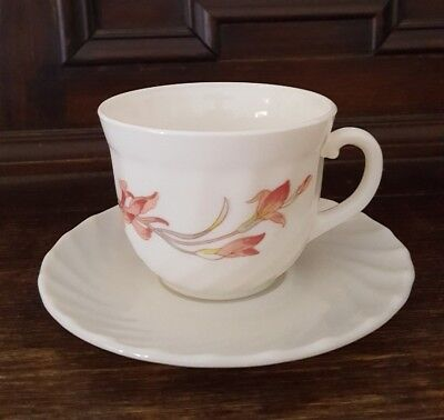 Vintage Retro Arcopal France Milk Glass Cups Saucers set of 4 Pink Iris design