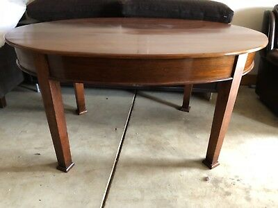 dining table timber oval shaped approx 1.6 x 1 metre    Excellent condition