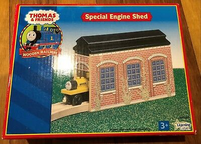 Special Engine Shed - Thomas and Friends Wooden Railway
