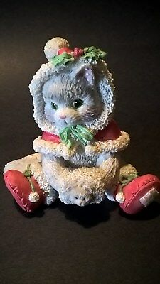 """Enesco Calico Kittens  """"Wrapped in Warmth of Friendship"""" Christmas"""