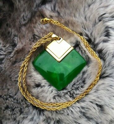 Vintage Crown Trifari Signed Gold Cream Green Pendant Necklace 24""