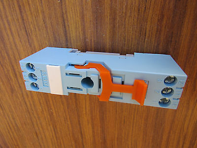 Releco 10A Relay Socket for use with IRC Series 250V ac - P1 - 6138145